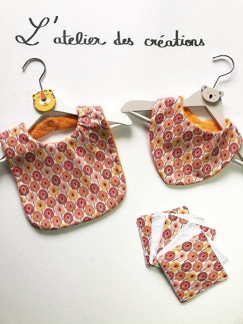 Trio bavoir, bandana, lingettes plumes de paon orange