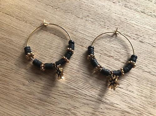 Créoles dorées perles heishi noir, perles et étoile dorée