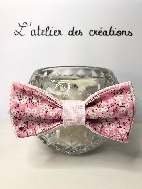 Nœud papillon en coton fleuri Liberty tons rose et blanc