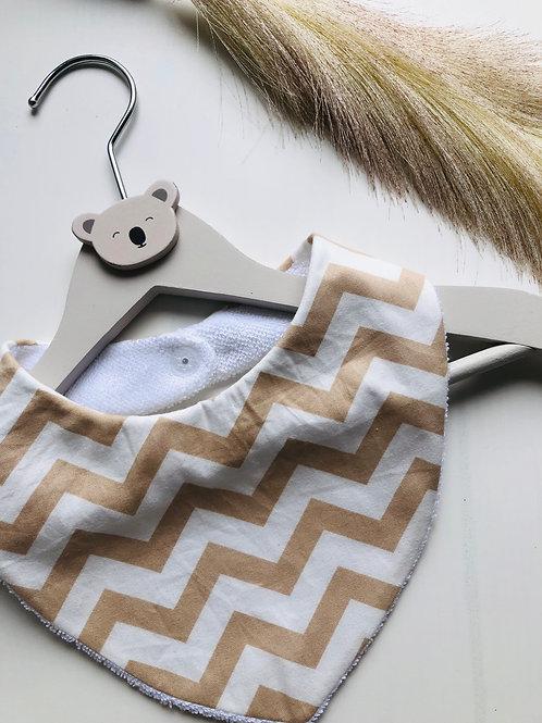 Bavoir/bandana en coton et éponge motifs zig Zag beige et blanc