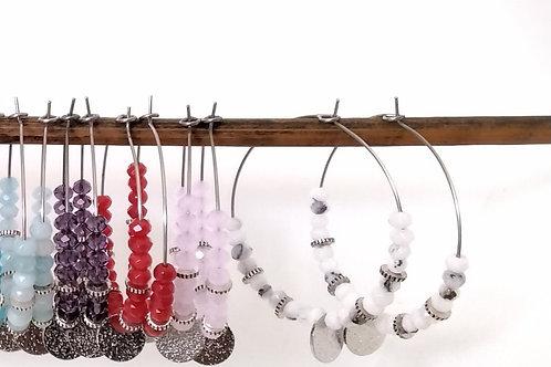 Créoles argentées avec perles à facettes , sequin et perles dorées