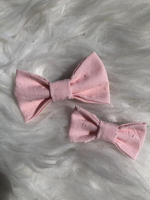 Barrette en coton plumetis rose pâle