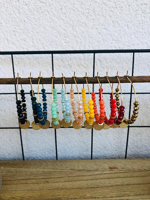 Créoles dorées avec perles à facettes , sequin et perles dorées