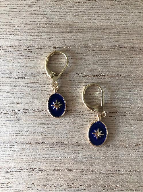 Dormeuses dorées avec médaille émaillée bleu royal