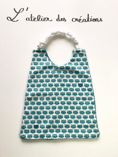 Serviette de cantine / grand bavoir motifs têtes de chat turquoise
