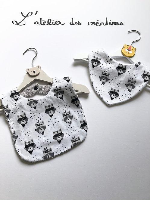 Duo bavoir / bandana en coton et éponge motifs ratons laveurs