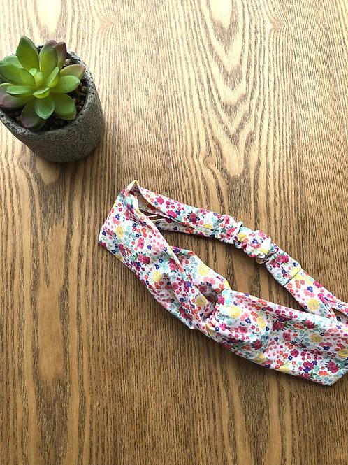 Headband / bandeau en popeline de coton fleuri sur fond blanc