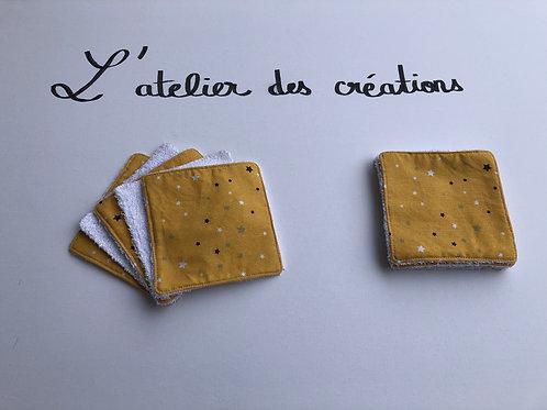 Lingettes en coton et éponge bambou étoiles sur fond moutarde