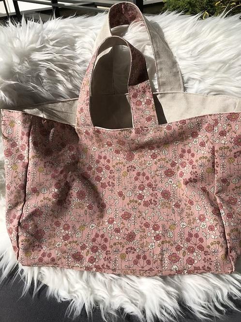 Cabas en toile de coton aspect lin motifs fleuris sur fond rose