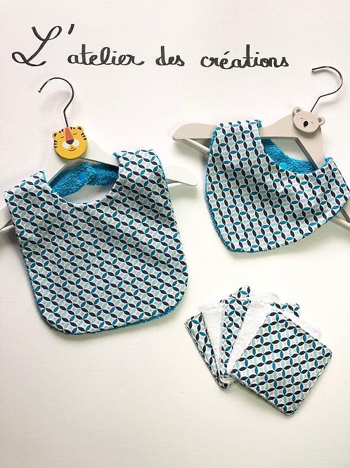 Trio bavoir, bandana, lingettes formes géométriques tons bleus