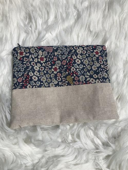 Trousse pochette en toile de coton aspect lin motifs fleuris