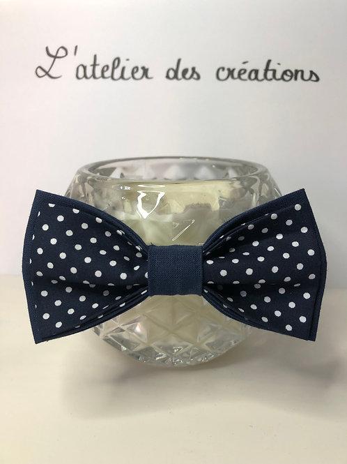 Nœud papillon en coton bleu marine à pois blanc
