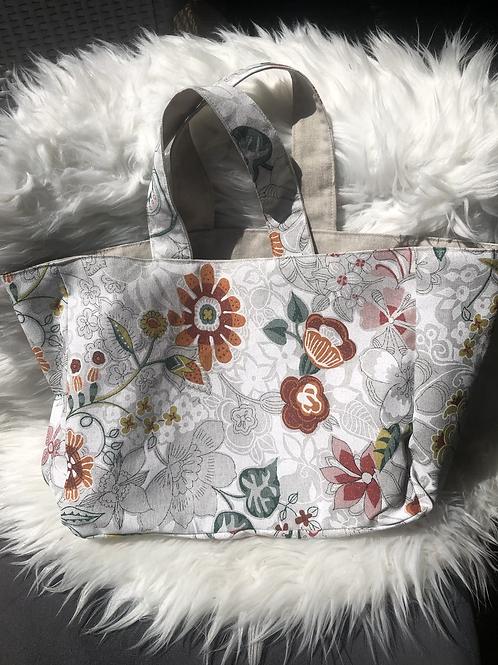 Cabas en toile de coton motifs fleuris multicolores fond blanc