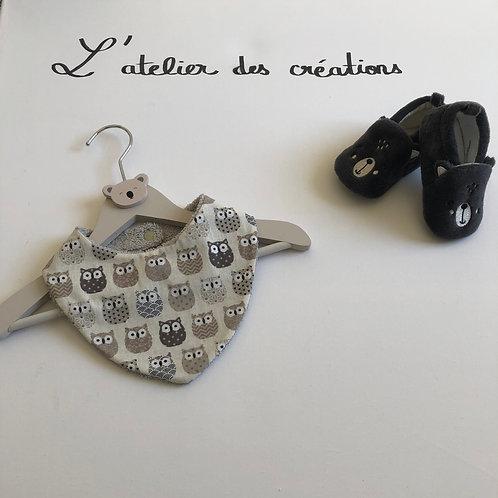 Bavoir/bandana en coton et éponge motifs chouettes beige