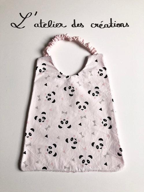 Serviette de cantine / grand bavoir motifs pandas sur fond blanc