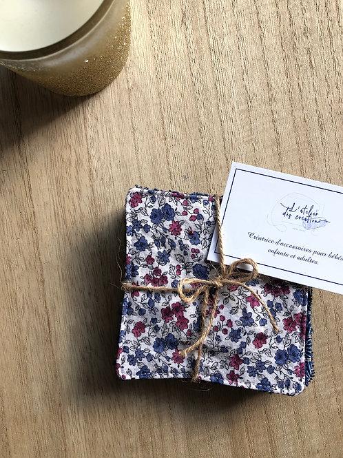 Lingettes en coton et éponge bambou motifs fleuris tons bordeaux et bleu