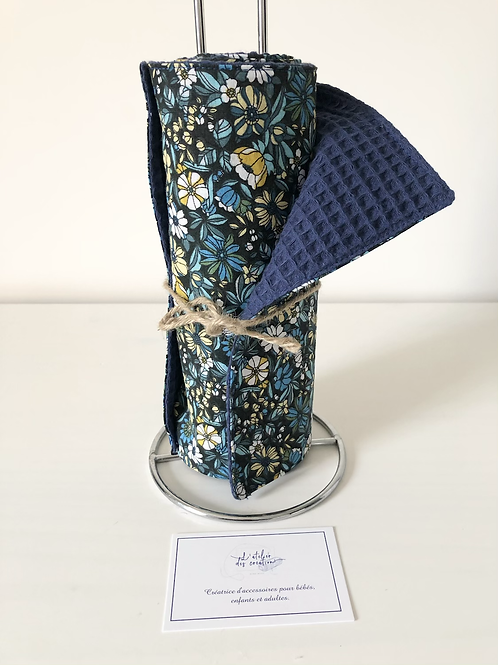 Essuie tout lavable et réutilisable motif fleuri ton bleu et noir
