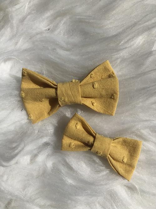 Barrette en coton plumetis moutarde