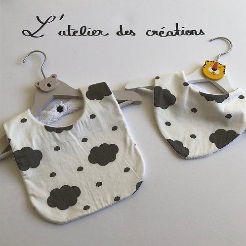 Duo bavoir / bandana en coton et éponge motifs nuages gris