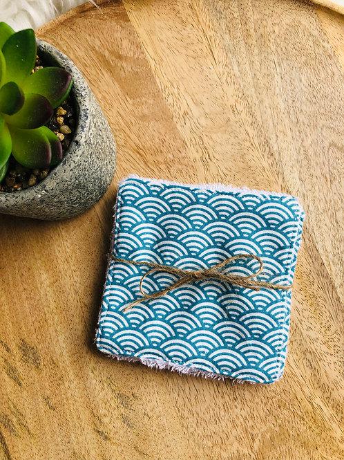 Lingettes en coton et éponge bambou motifs turquoise et blanc