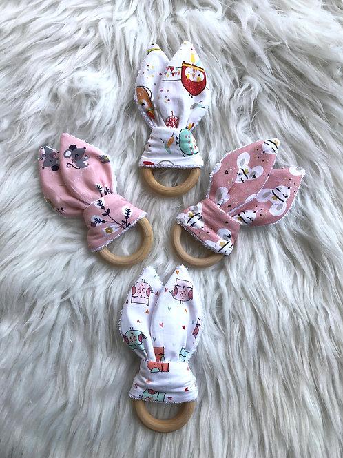 Anneau de dentition en bois et coton motifs animaux