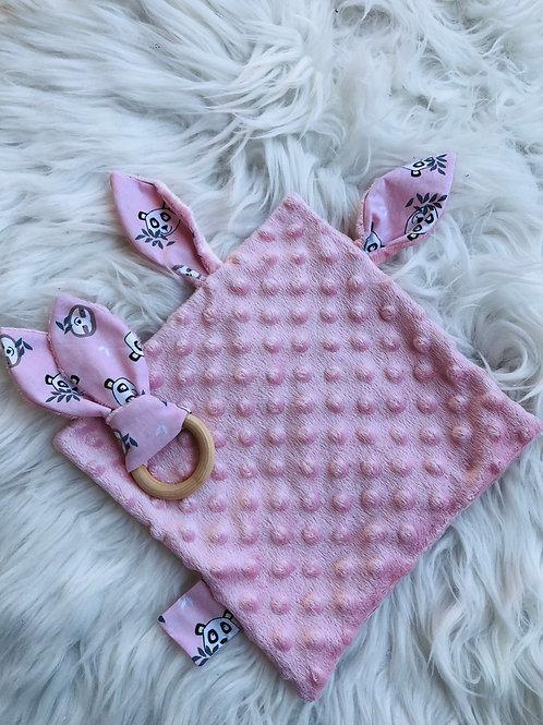 Doudou oreilles en minky tout doux et coton motifs pandas sur fond rose