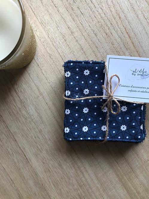 Lingettes en coton et éponge bambou motifs bleu marine et blanc