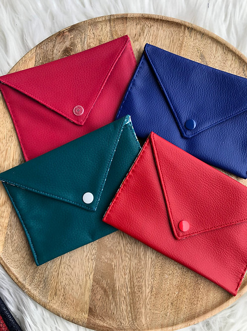 Pochette enveloppe simili cuir lisse