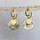 Thumbnail: Clous d'oreilles tulipe doré à l'or fin et sequin en nacre