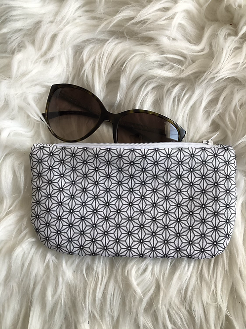 Trousse / étui à lunettes en coton motifs gris sur fond blanc