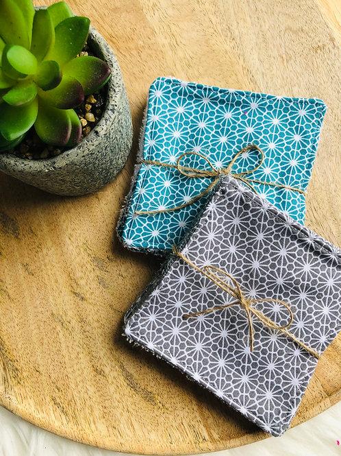 Lingettes en coton et éponge bambou motifs fleurs blanches