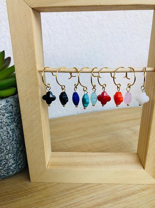 Crochets doré à l'or fin et perle trèfle en verre