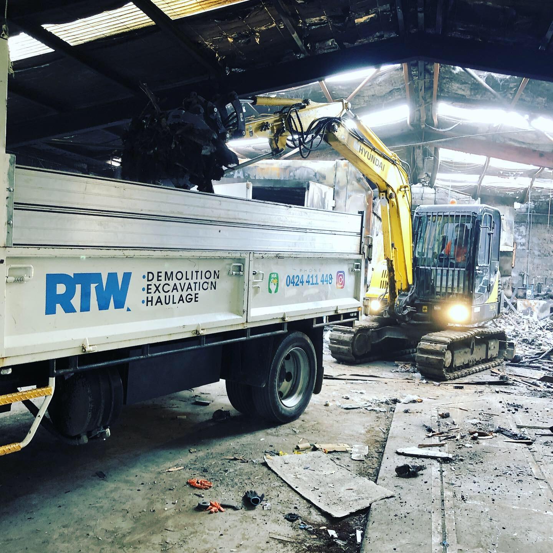 factor demo, truck, excavator