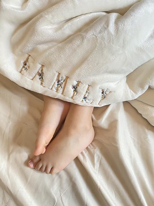 Couverture polaire bébé lettres fleuries