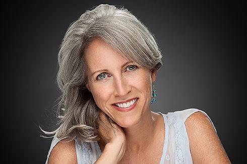 Catherine Weiss Headshot.jpg