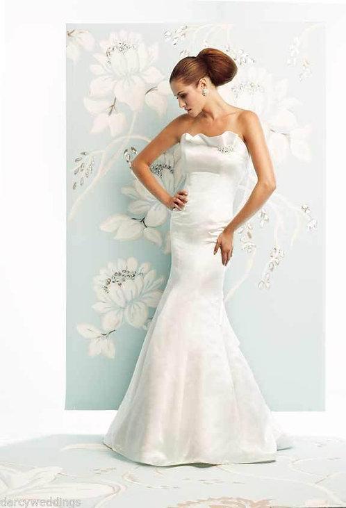 Ivory Silk Satin wedding gown by Canadian desginer Paloma Blanca. '4152' UK 10