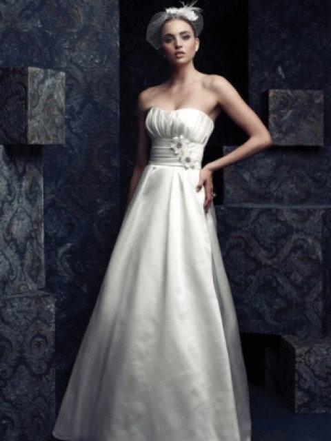 Paloma Blanca - 4062 Wedding Dress Size 12