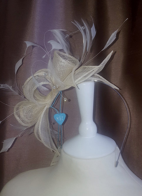 Stunning Cream Fascinator