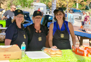 Feeding the Streetsville Village with Rotary