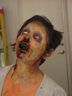 latex_gelatin_zombie_makeup_by_victorianspectre-d67llm1.jpg