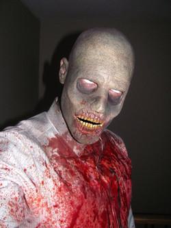 zombie_makeup_7_by_victorianspectre-d68q71t.jpg