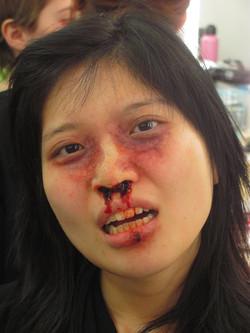 broken_nose_makeup_by_victorianspectre-d67li53.jpg
