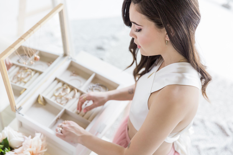 MariahNicole celebrity makeup artist
