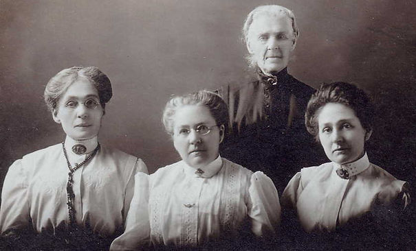 Diana Oughtred, Sarah, Ellen, Effie Poul