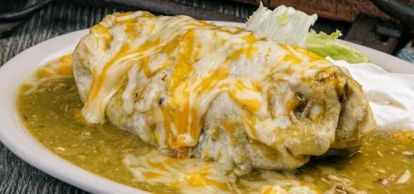 Burrito Tradicional Mexicano.jpg