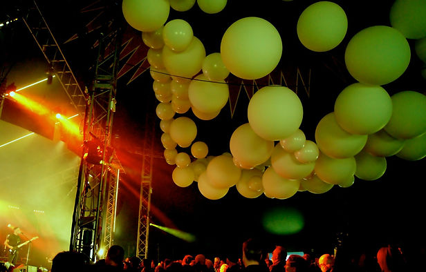 stage balloons.JPG