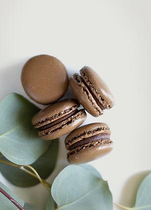 box of 6 chocolate macarons