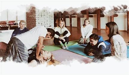 ESCUELA DE MASAJE TAILANDESA. Programa de formación y curso para masajista.
