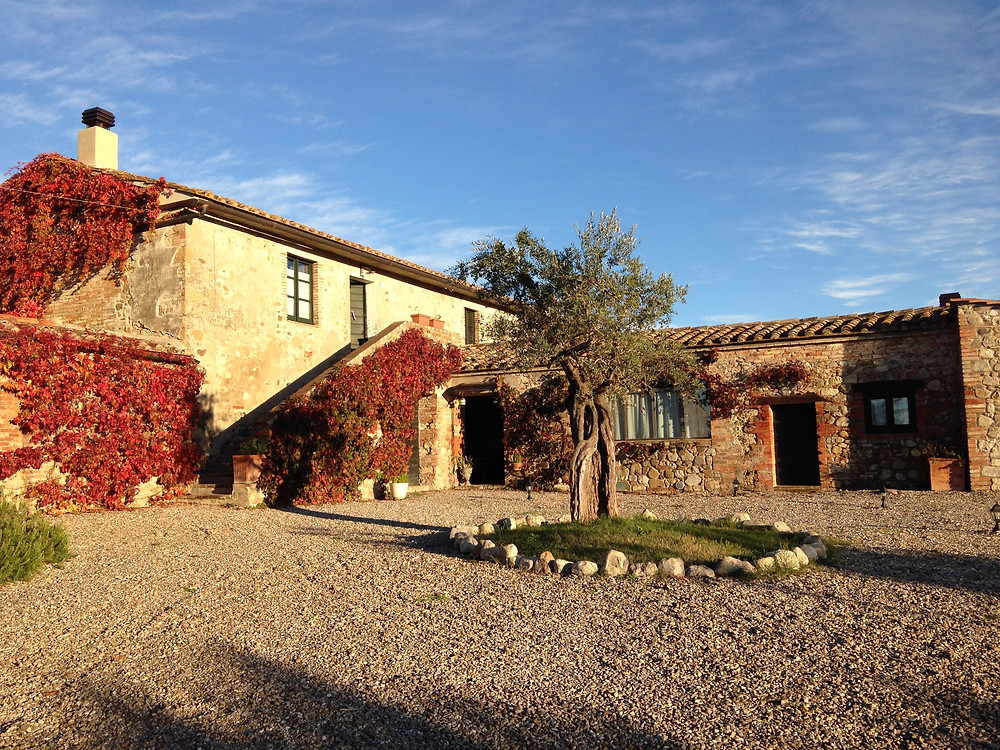Locanda in Tuscany in Autumn