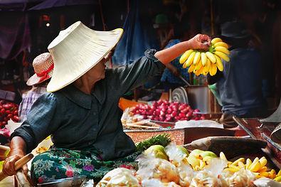 2013 Damnoen Saduak Floating market.jpg